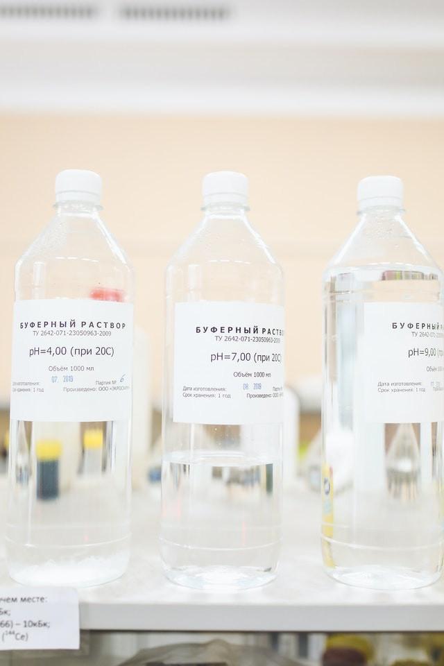 fulvinezuur in fles